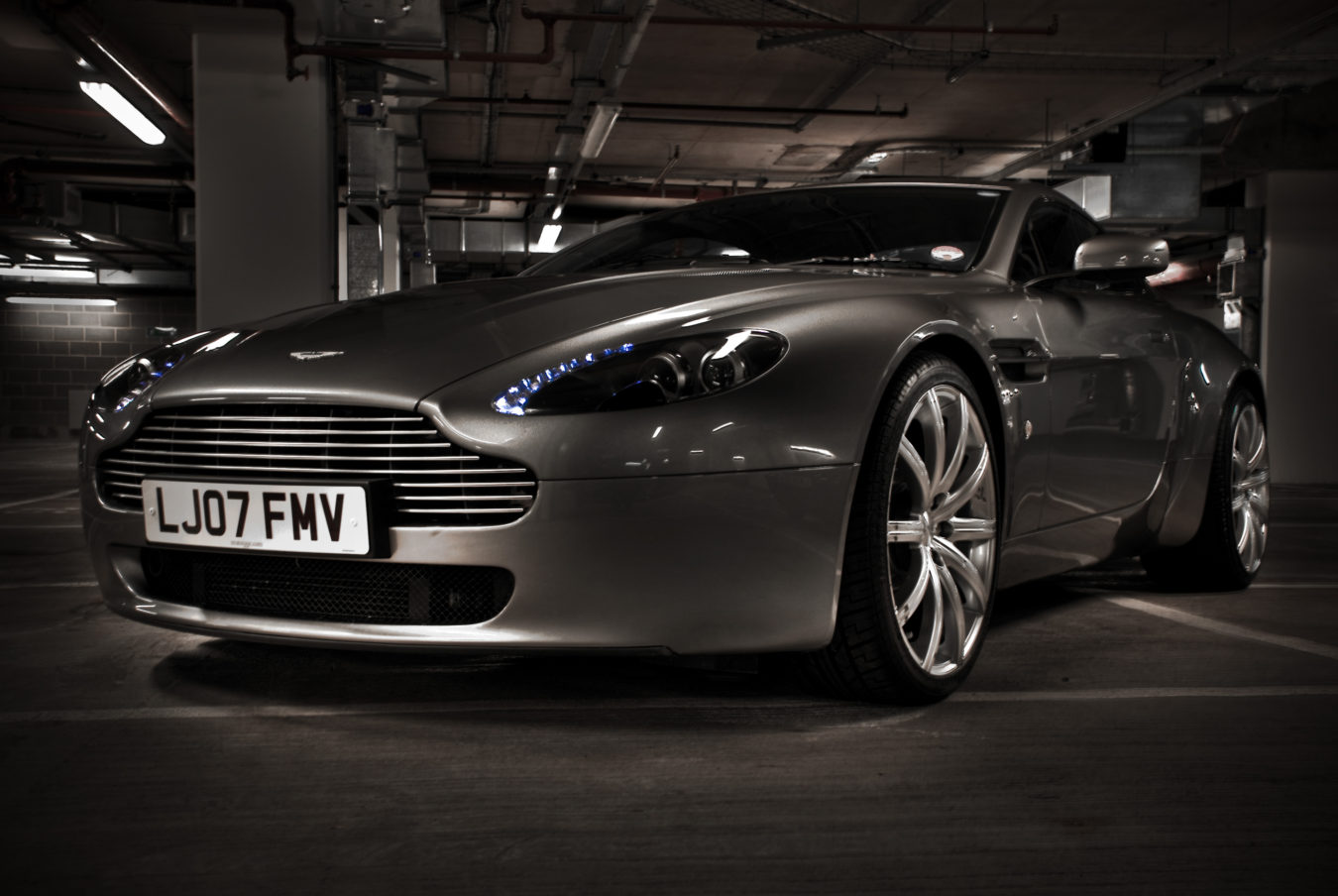Smooth_Aston_Martin_HDR