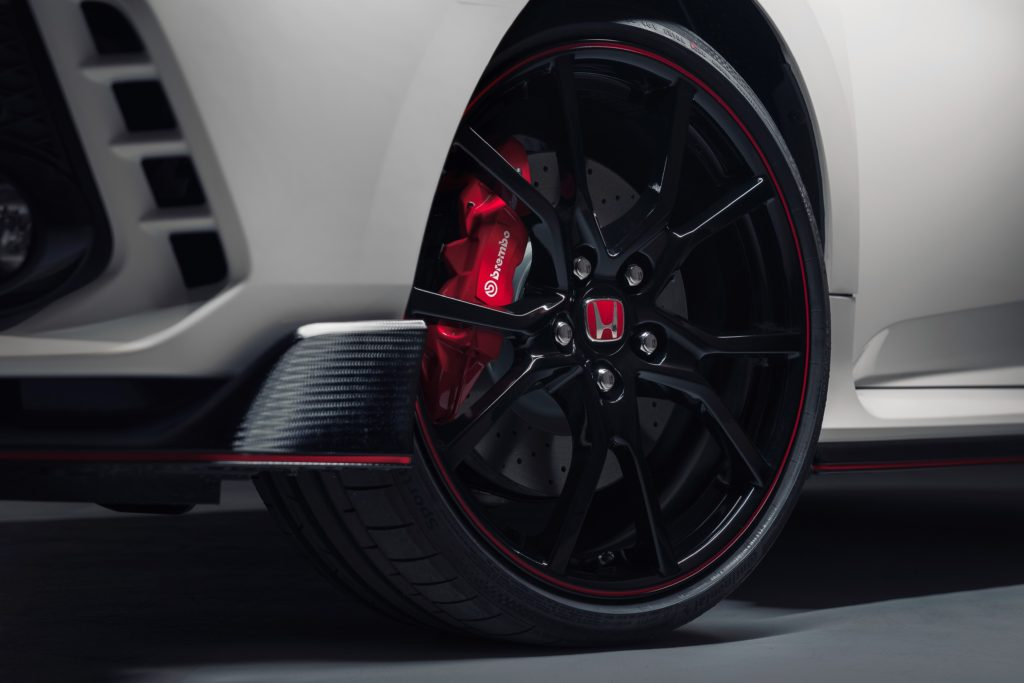 TrackWorthy - All-new Honda Civic Type R races into view at Geneva