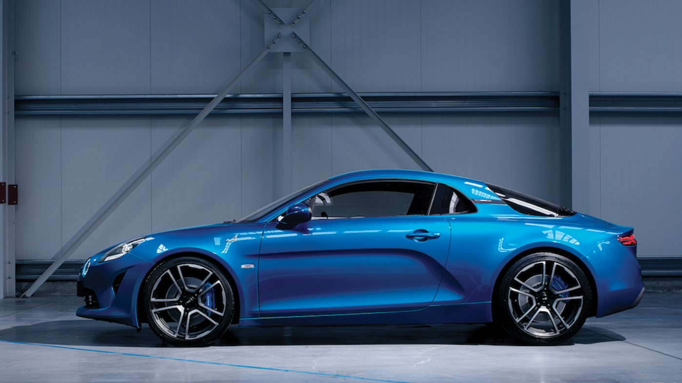 new alpine a110 unveiled at the 2017 geneva motor show trackworthy. Black Bedroom Furniture Sets. Home Design Ideas