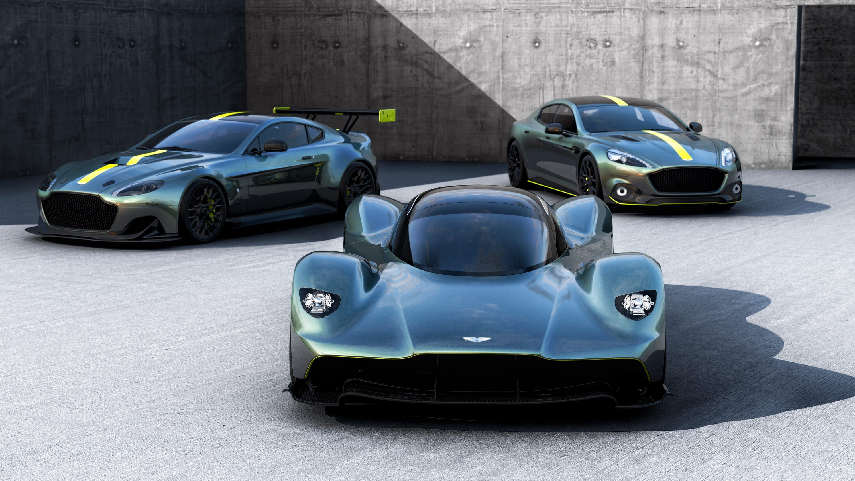 aston martin amr strengthens connection between road and race cars trackworthy. Black Bedroom Furniture Sets. Home Design Ideas