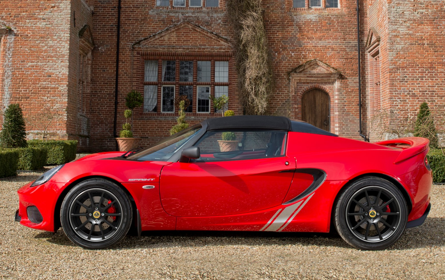 new lotus elise sprint edition is lighter and faster trackworthy. Black Bedroom Furniture Sets. Home Design Ideas