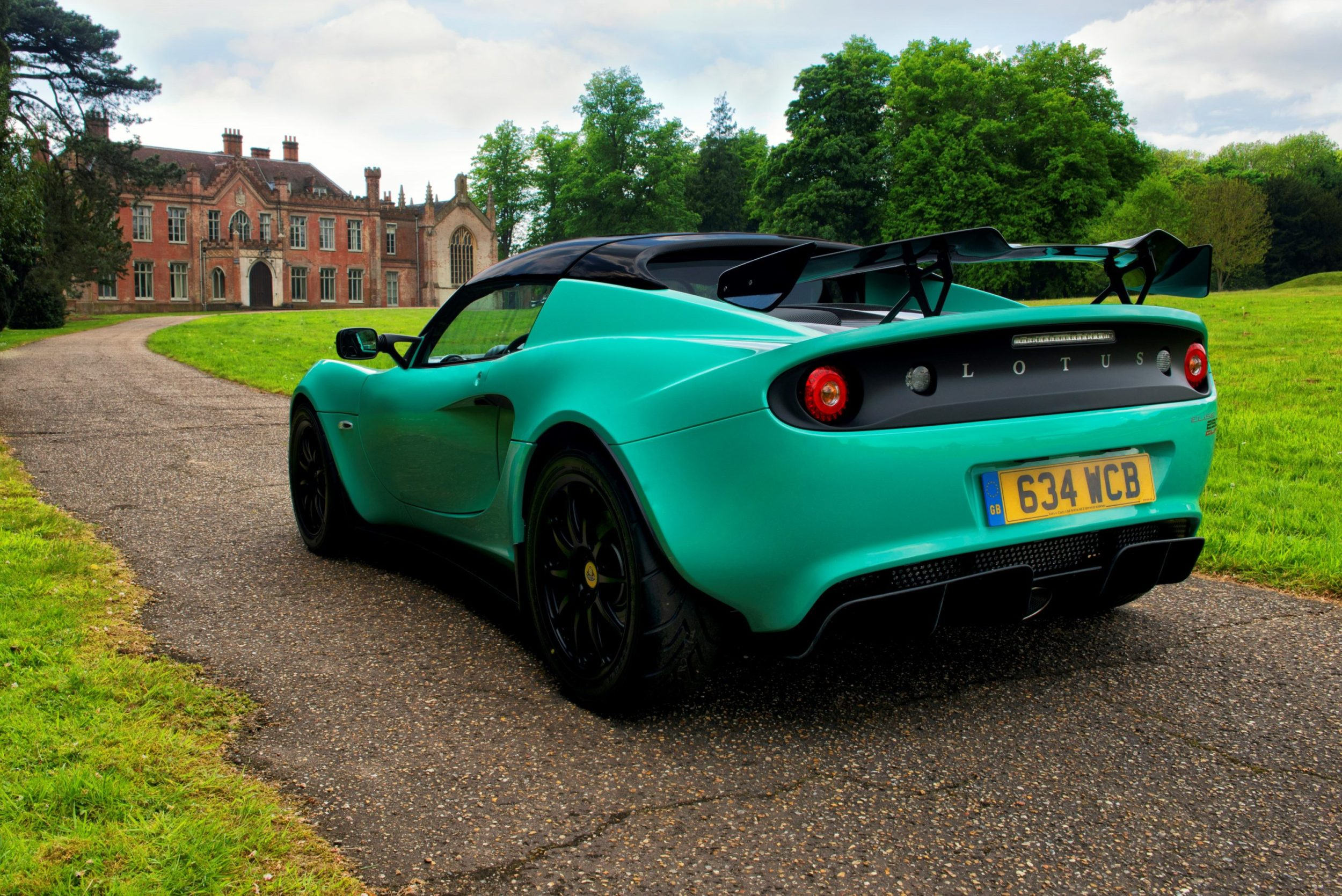 http://trackworthy.com/wp-content/uploads/2017/06/Lotus-Elise-Cup-250-3-e1496420885334.jpg