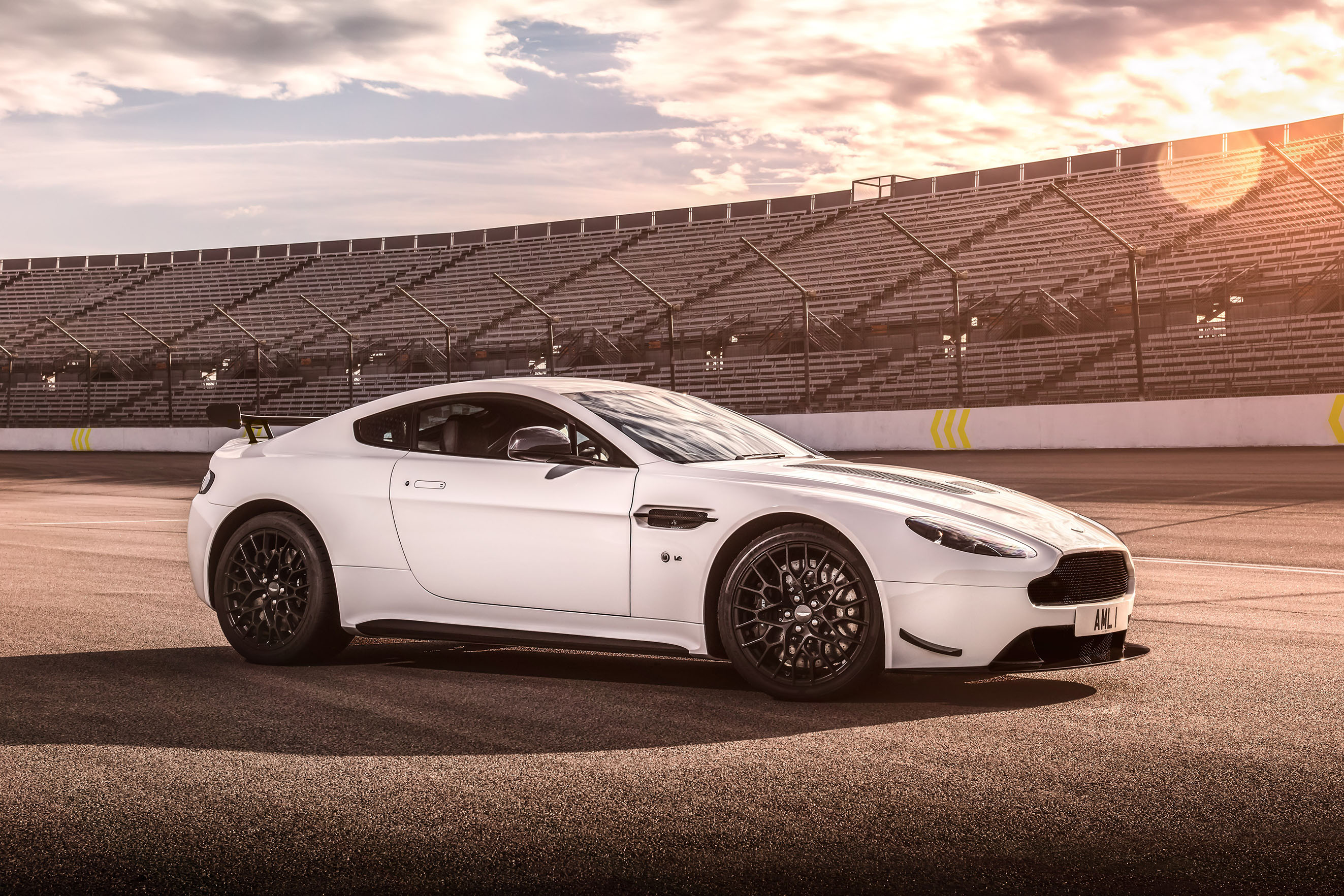 Just 300 Aston Martin Vantage Amr S To Be Offered Wheels Ca