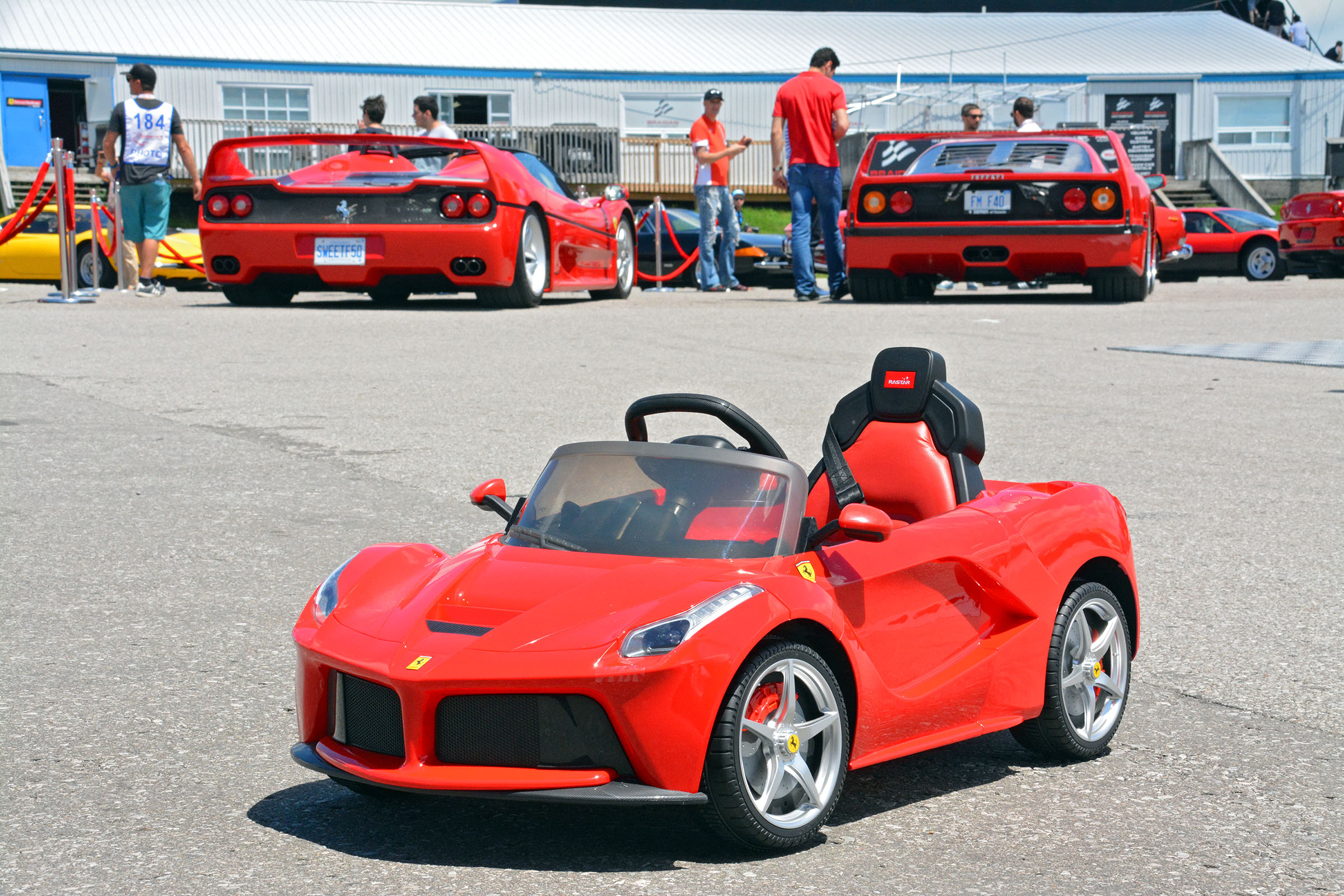 TrackWorthy - Child's Ferrari LaFerrari (1)