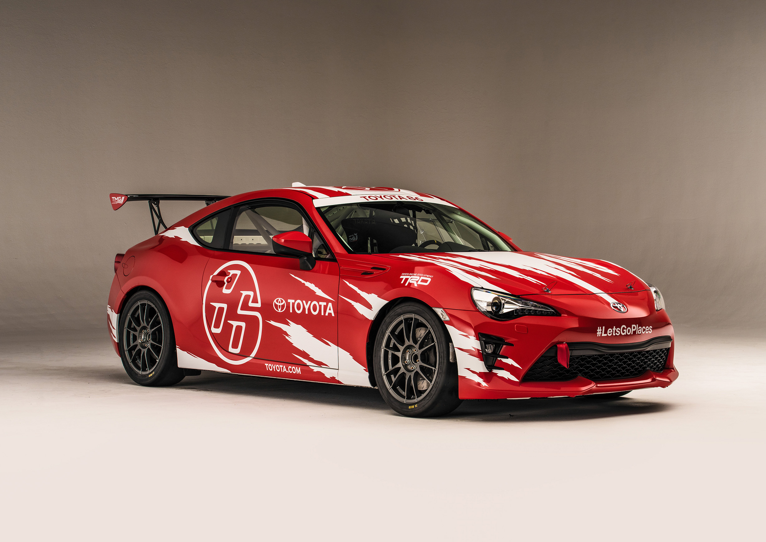 Toyota 86 north american racing debut in pirelli world for Toyota motor north america