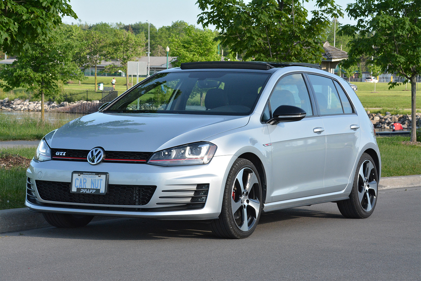 100 volkswagen gti blue 2017 vw golf r 2017 review by car magazine 2017 volkswagen gti. Black Bedroom Furniture Sets. Home Design Ideas