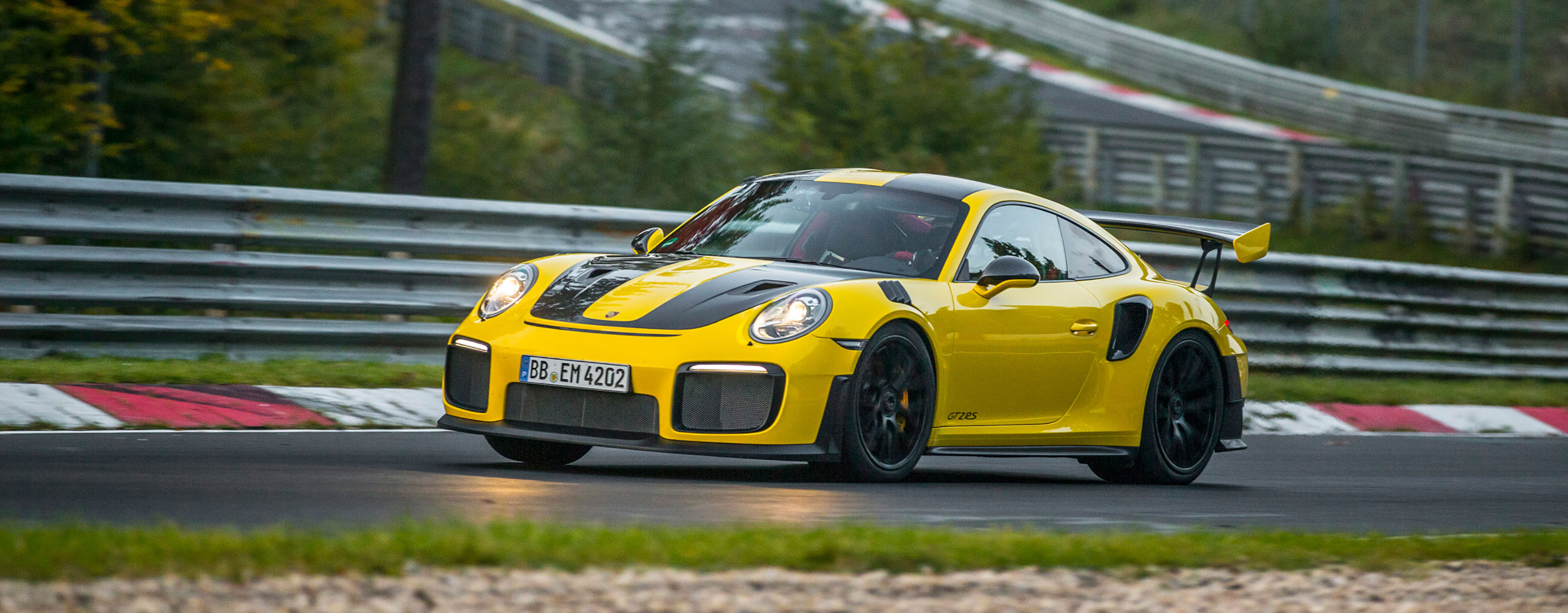TrackWorthy  - Porsche 911 GT2 RS (2)