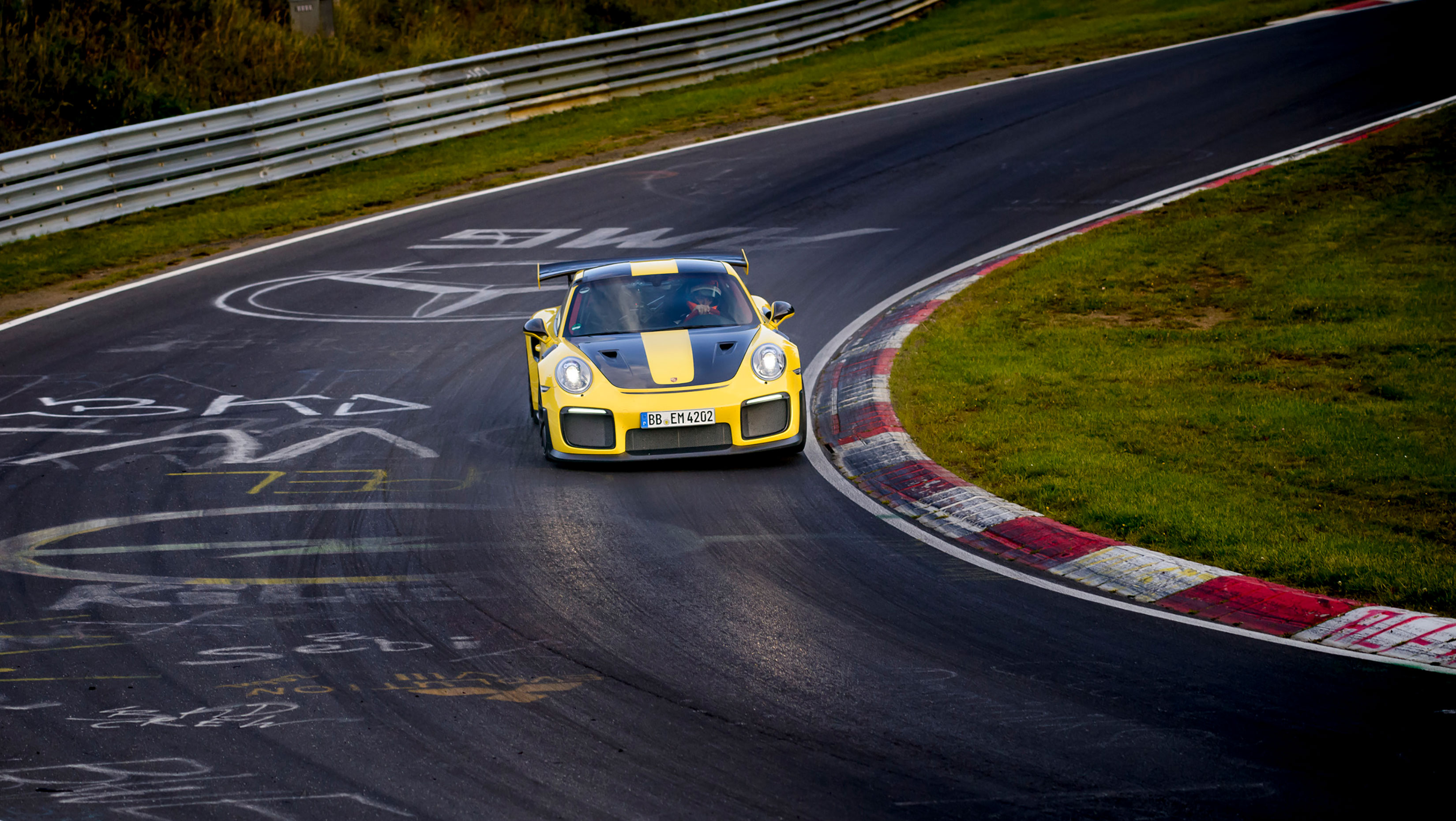 TrackWorthy - Porsche 911 GT2 RS (4)