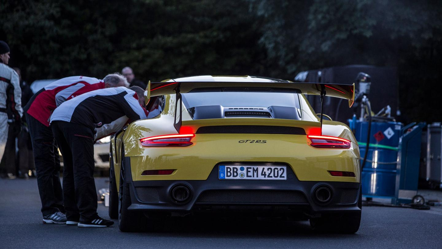 TrackWorthy - Porsche 911 GT2 RS (6)